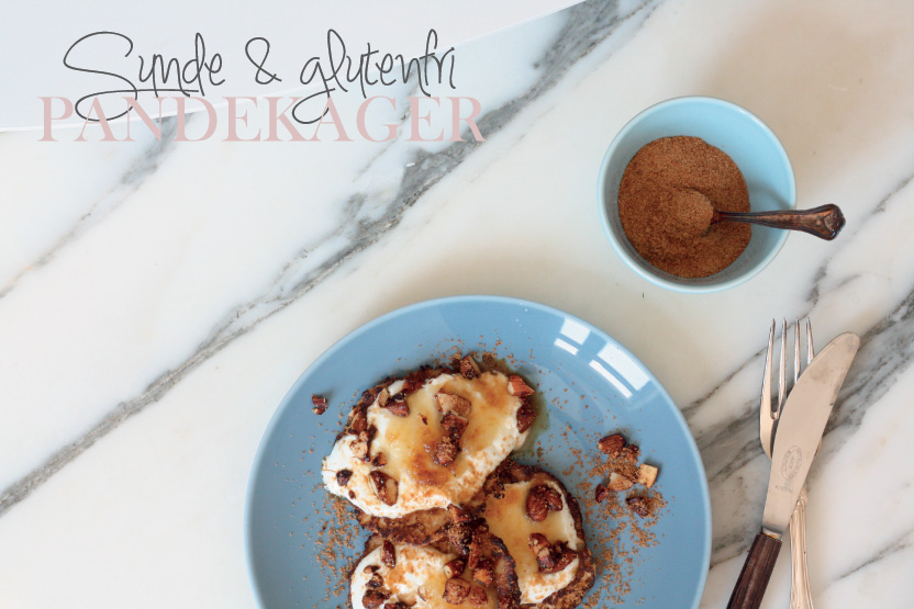 Glutenfri sunde pandekager med skyr, æble, mandler og kokossukker 4