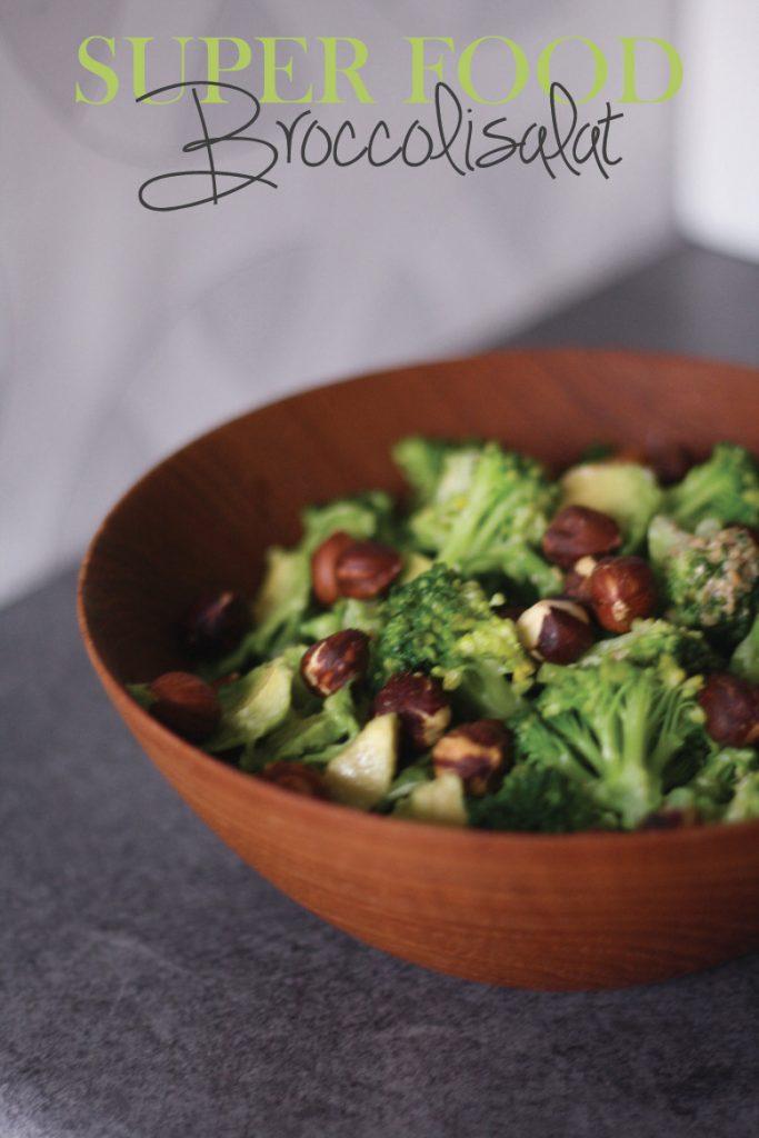 Sprød og smagfuld broccolisalat {opskrift}