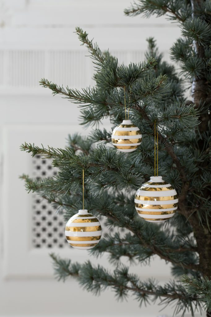 Omaggio Christmas Baubles Gold 1