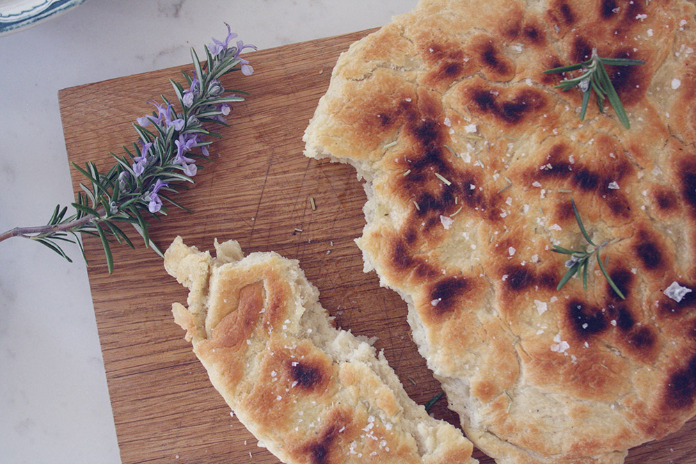 Snobrød opskrift pandestegt rosmarin