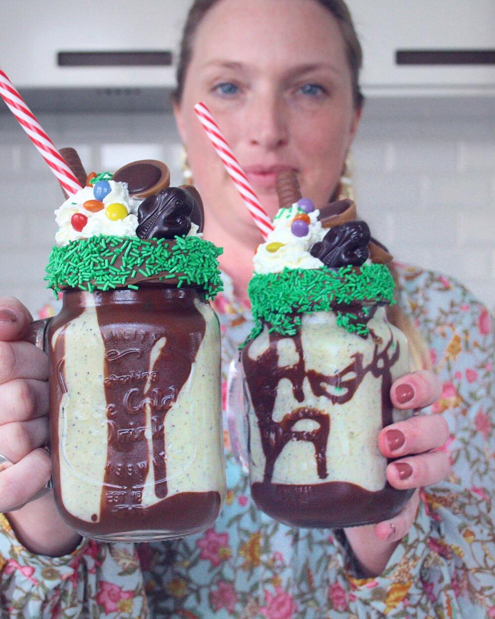 Freakshake opskrift smoothie kiwi passionsfrugt