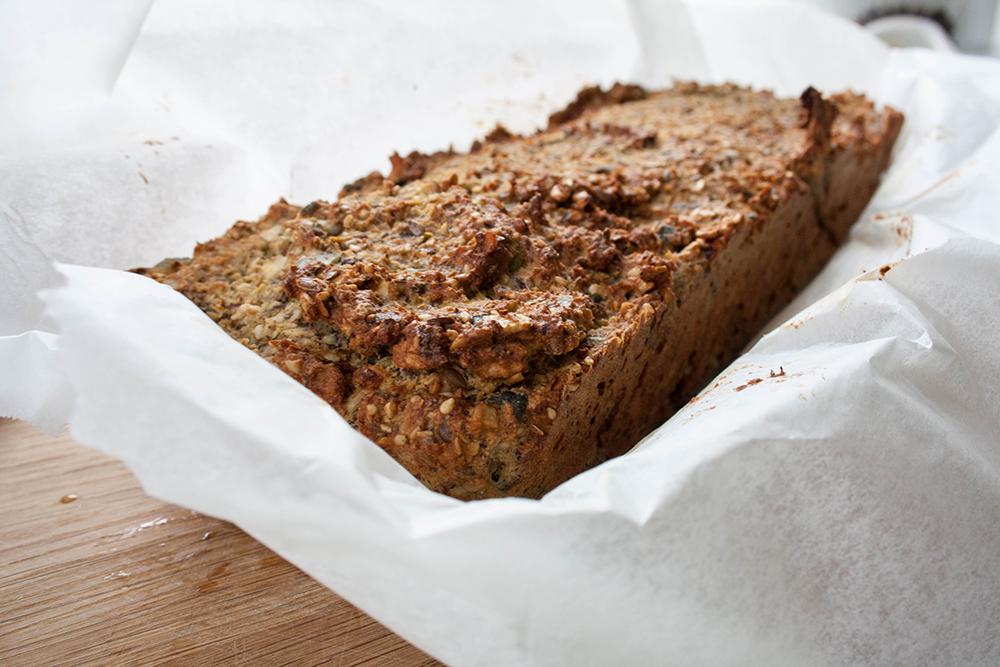 opskrift glutenfrit rugbrød med højt proteinindhold