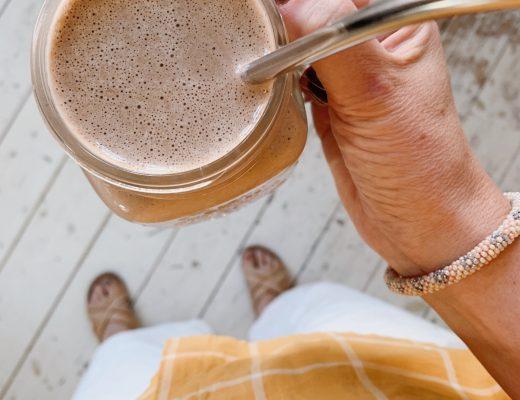 opskrift iskaffe med banan og proteinpulver