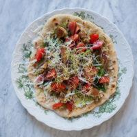 pandestegt pizzabund opskrift