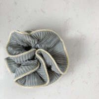 Lilje scrunchie-dueblå