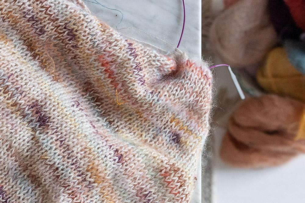 Simpel raglan tee strik med rester af silk mohair
