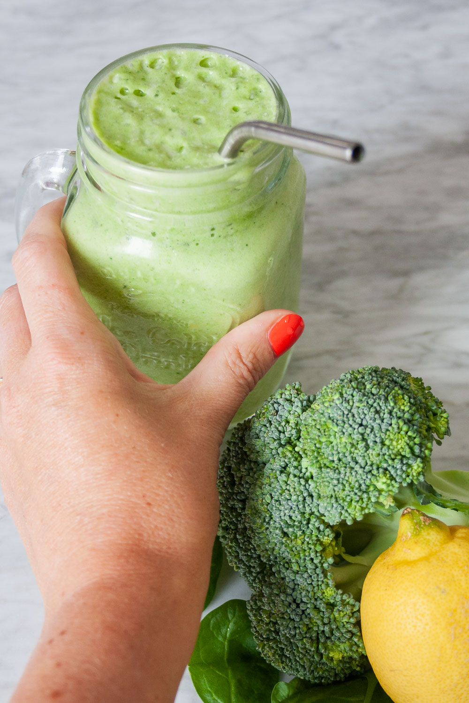 opskrift Grøn protein smoothie shake